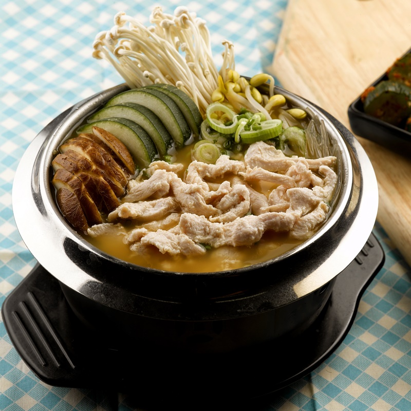 Marinated Sliced Chicken Miso HotPot_Sq800