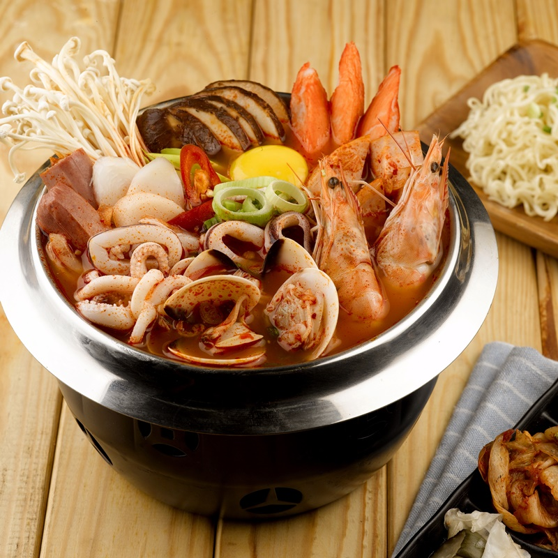 Seafood Army Stew_Sq800